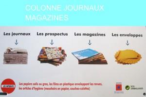 COLONNE-journaux-bleu