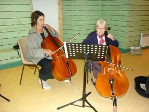Cours de violoncelle à l'école de musique